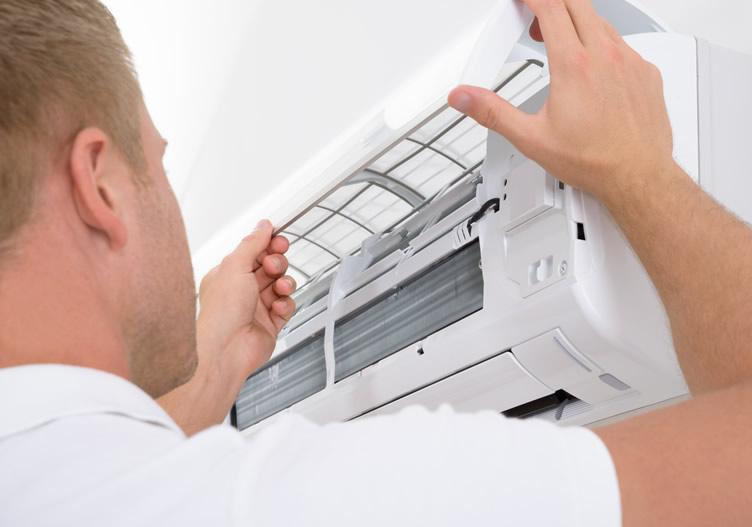installing split type air con